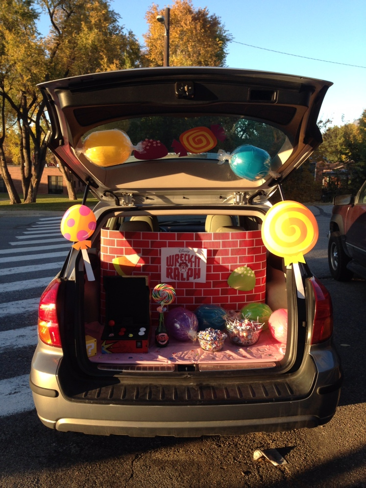 Lyle and I chose to do Wreck It Ralph as our theme. That's an awesome trunk if I do say so myself!